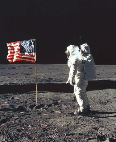 neil armstrong first man on the moon - photo #8