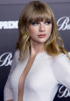 Taylor Swift open front top with no bra