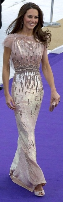 Kate Middleton - wins style award - in long gown