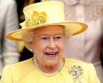 Queen Elizabeth in yellow outfit