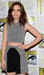 Lily Collins bares midriff at Comic Con