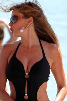 Sofia Vergara great cleavage in cutaway swimsuit. Hot. Boobs boobs boobs. Modern Family. Colombian actress.