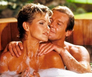 Fiona Fullerton in naked bath scene with Roger Moore in Bond movie A View To A Kill