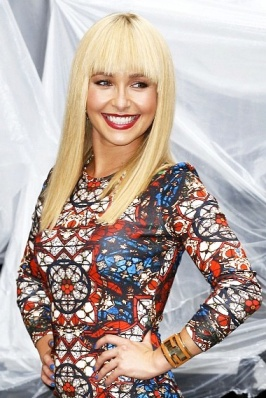 Hayden Panettiere - new look with straight blonde hair and red lipstick