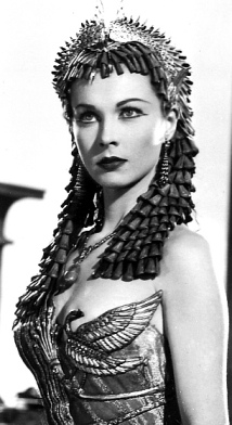 Vivien Leigh - looking hot showing cleavage as Cleopatra in 1945 movie Caesar and Cleopatra