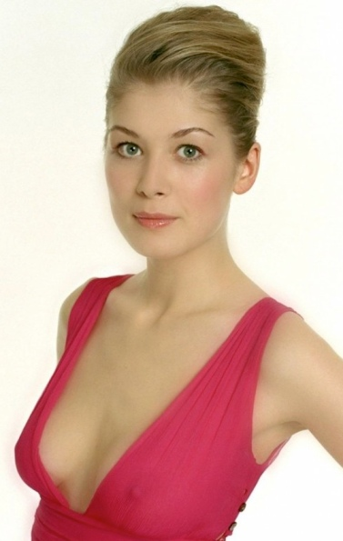 Rosamund Pike shows her nipples through dress fabric. Lady Penelope. Bond girl. Posh totty.