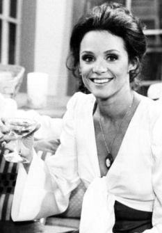 Valerie Harper looking attractive in low cut blouse as Rhoda Morgenstern in 70's series