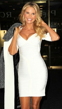 Christie Brinkley looking hot at 59 years old