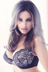 Kelly Brook shows great boobs and cleavage in New Look lingerie photo