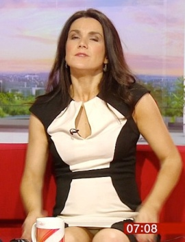 Susanna Reid - newsreader has wardrobe malfunction and flashes her knickers on live tv
