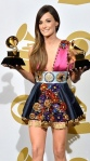 Kacey Musgraves shows a nice pair at the Grammys