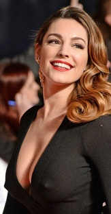Kelly Brook stiff nipples showing through dress at NTAs 2014