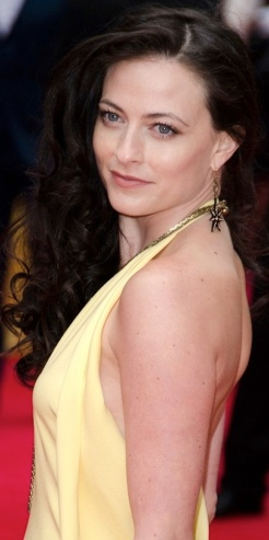 Lara Pulver 32B