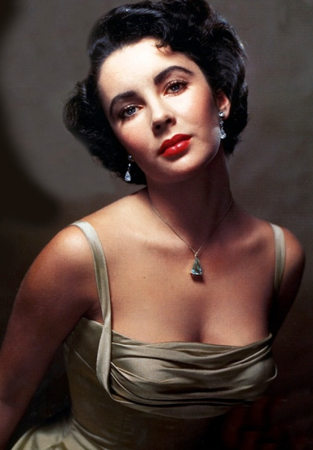 Elizabeth Taylor - eyes and cleavage