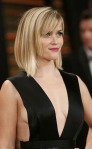 Reese Witherspoon shows sideboob at Vanity Fair party