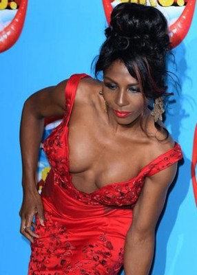 Sinitta Flashes Boobs in wardrobe malfunction at X Factor Musical Launch