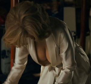 76 year old Jane Fonda flashes a lot of cleavage in new movie