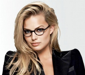 Margot Robbie - sexy girl in glasses
