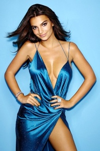 "Emily ""Blurred Lines"" Ratajkowski shows cleavage and thighs in Cosmo photo"